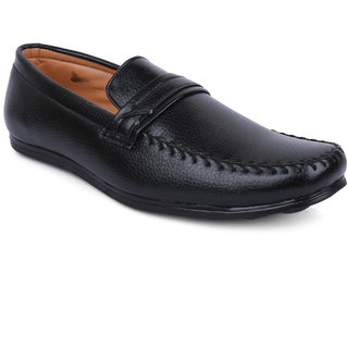c04e96c0199 Buy Action-Dotcom MenS Black Loafers Online   ₹999 from ShopClues