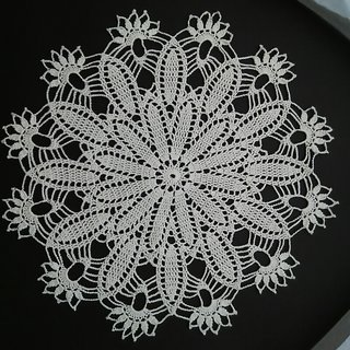 Home Dcor  Vintage crochet lace doily / Tablemat / Table decor / Table runner / Decorative Accessories