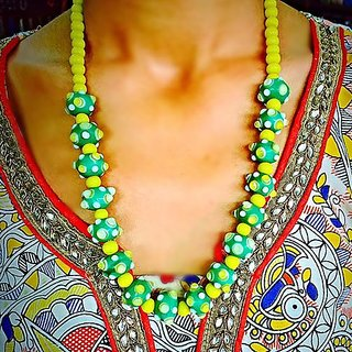 Green And Yellow Glass beads short necklaces For Womens