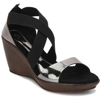 La Mere Women's Gray Heels