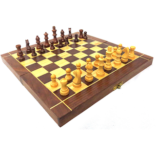 WOODEN CHESS BOARD WITH 32 WOODEN CHESS COINS CHESS GAME SIZE 11.5  11.5 INCHES