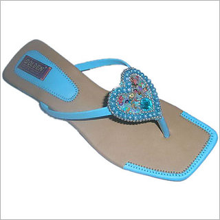 54c1327977f Buy Ladies Chappals Online   ₹350 from ShopClues