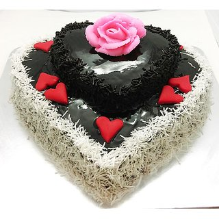 Buy Double Heart Chocolate Cake 1 5 Kg Online 1800 From Shopclues