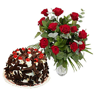 Tweleve Red Roses Love At 1st Side