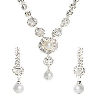 Shining Diva Multiple Circles Necklace Set