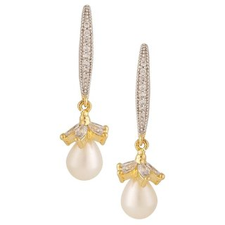 Tyllo  Pearl Earring with American Diamond