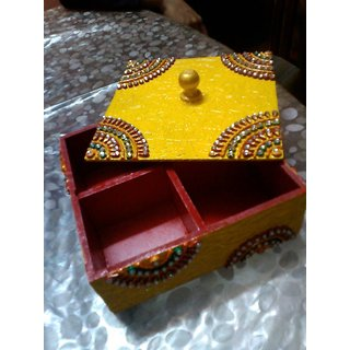 Traditional jewelery box with fine painting work