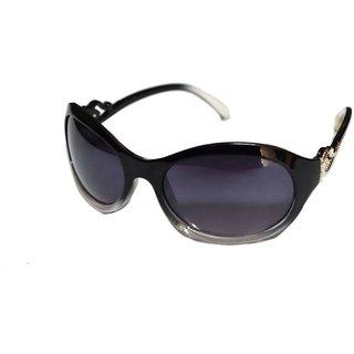 Women Black Shaded Cat Eye Sunglasses