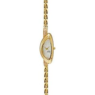 Titan Quartz White Dial Women Watch-9934YM01