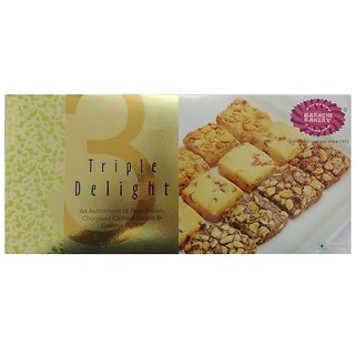 Karachi Bakery Gold Triple Delight Biscuits 600 gms