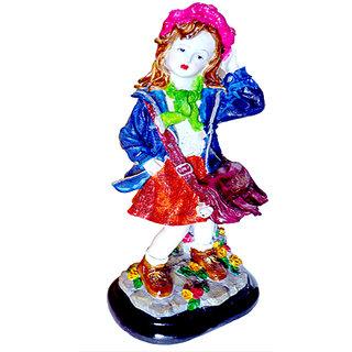 UT Handicraft school girl showpiece - 47 cm