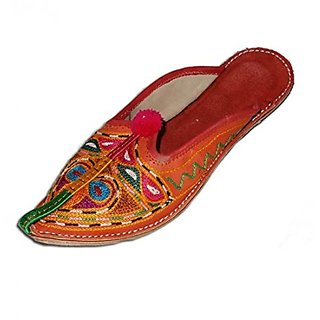 Stophere Women Decent And Fashionable Rajasthani Leather Mojari