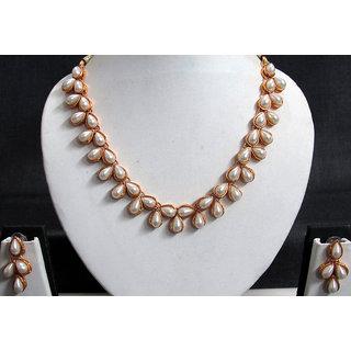 Preety white pearl choker necklace set