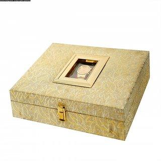 NutBut GiftBox Watch+Dryfruits box (Cashew-Almond-Pista-Pepper Cashew)