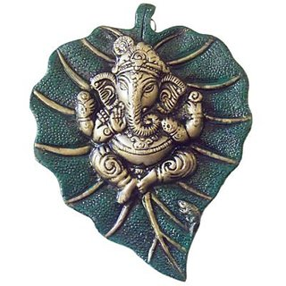 Big Ganesh On Leaf