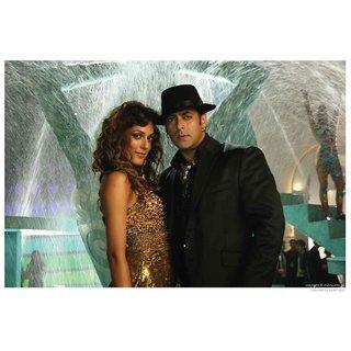 Salman In Black Hat - Yuvvraj