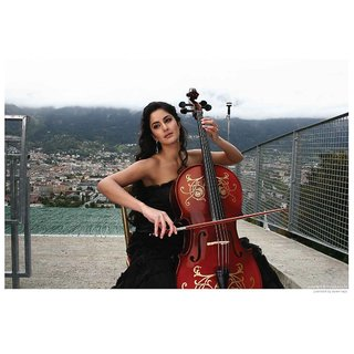 Katrina Kaif Playing Violin - Yuvvraj
