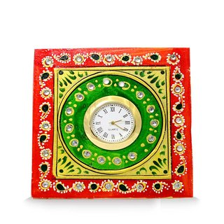 rect angle table clock red green yellow