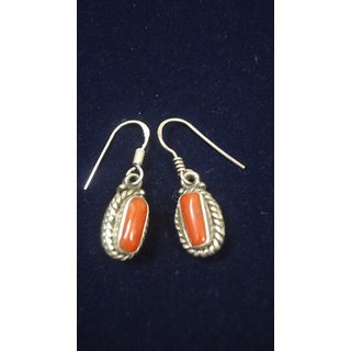 EARRING0054-NICE EARRING MADE WITH BEAUTIFUL CORAL STONE AND SILVER