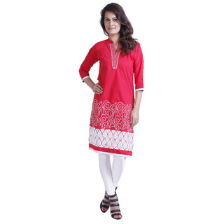 Up your style quotient with this stylish kurta from Yash Texknit.We suggest that you team up with the matching leggings and sandals to get compliment in your style