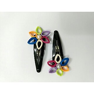 Hand made paper quilling tic tic pin