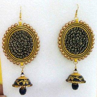 WOMEN Earrings Black n Gold