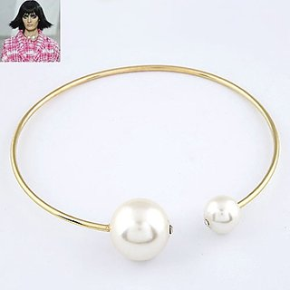 Vera White Big Pearl Design Alloy Chokers