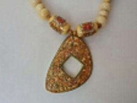 Gold Leafing Nice Hand Made Design Necklace 100 Quality