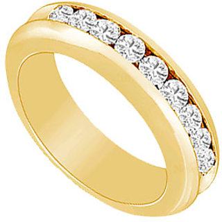 Pleasing Diamond Wedding Band In 14K Yellow Gold