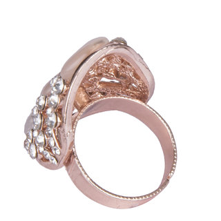 Diva Walk gold stone studded ring-00150