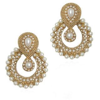 Women White Pearl Nice Earrings