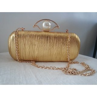 Golden brass clutch with string in metal