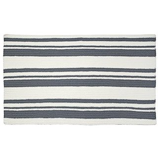 mDesign Hand Knit Accent Rug for Bathroom, Kitchen, Bedroom - Gray/Ivory
