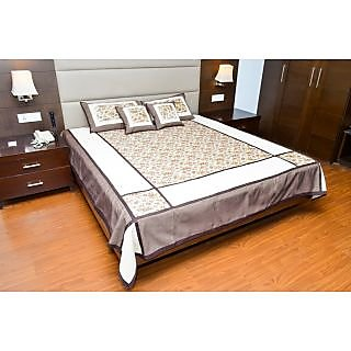 Dawn to Dusk Cotton Belgium Floral Bed Line King Size Designer Bedsheet With 2 Pillow Covers  2 Cushion Covers - (Multi