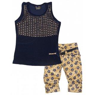 S. Nawaz Girls' Blue Velvet Clothing Set Sleeveless Top Printed Capri Party Wear Colour BlueCream (Age 1-8 Years)