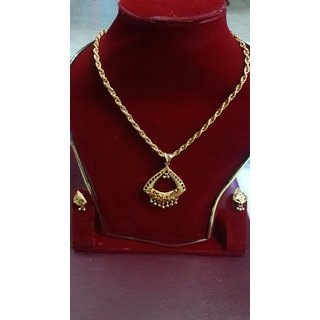 Simle pendant and chain and ear ring set