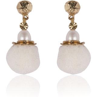 Diva Walk white alloy  earring-00921