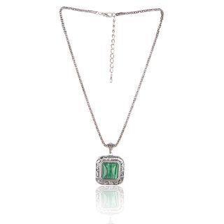 Diva Walk green alloy necklace-00935