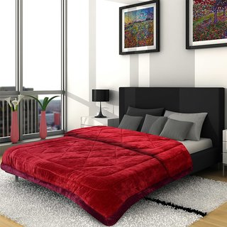 Titos Red Royal Look Double Bed Polyester Quilt
