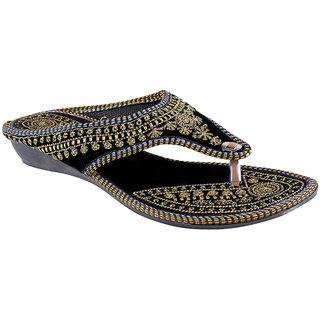 Great Art Women Black-Golden Slipper Chappal 419
