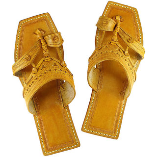 Typical kolhapuri design, leather men sandal
