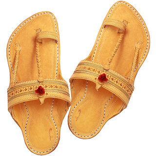 88b89235e42dd Light Yellow Handcrafted Kapshi Shape Kolhapuri Chappal For Men Best ...