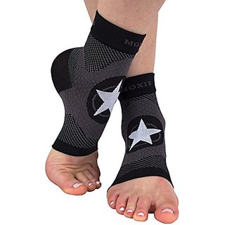 Compression Foot Sleeve for Plantar Fasciitis Treatment and Foot and Ankle Support (Medium)
