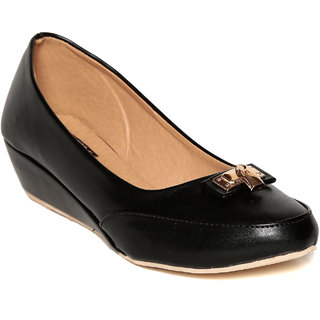 TEN Women's Black Wedges