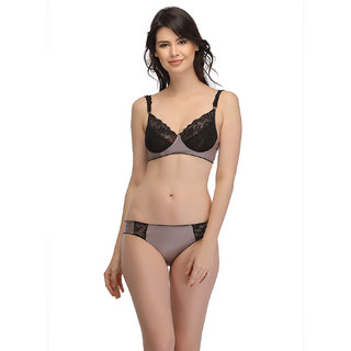 bbc4a6f03a54c Buy Clovia Lacy Bra And Panty Set - Grey Online - Get 56% Off
