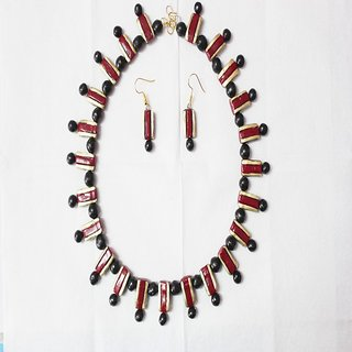 Terracotta Handmade Maroon And Black Necklace Set