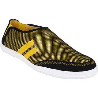 Hirolas Men Yellow Slip on Casual Shoes