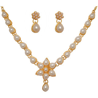 Kriaa by JewelMaze Pearl Floral Design Gold Plated Necklace Set-PAA0155