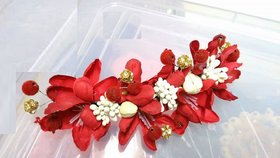 Flower brooches (RED)
