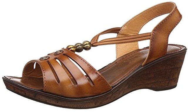 03aac3e115d Buy Catwalk Women s Brown Sandals Online   ₹599 from ShopClues